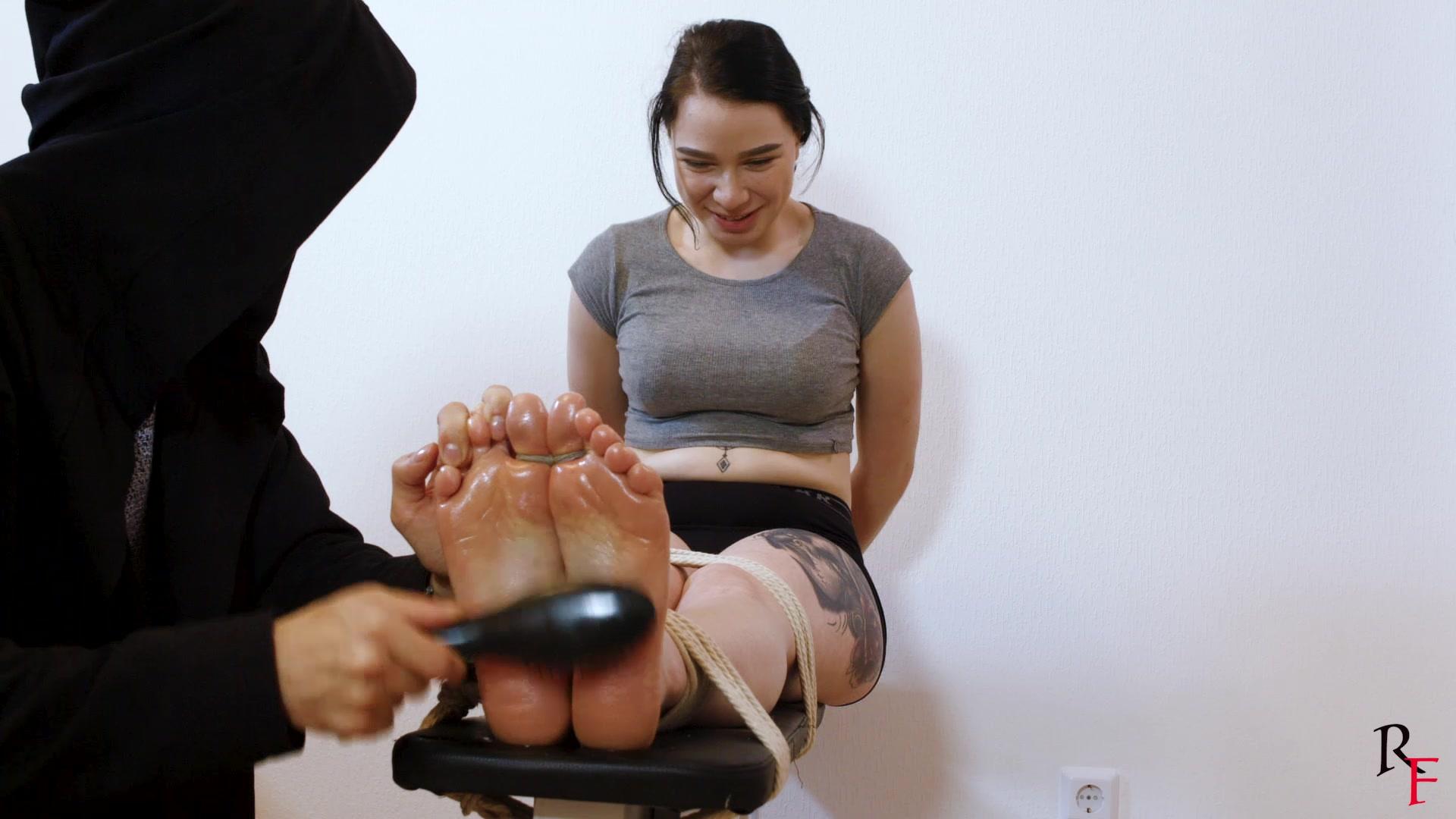 Asian Nylon Feet Tickle