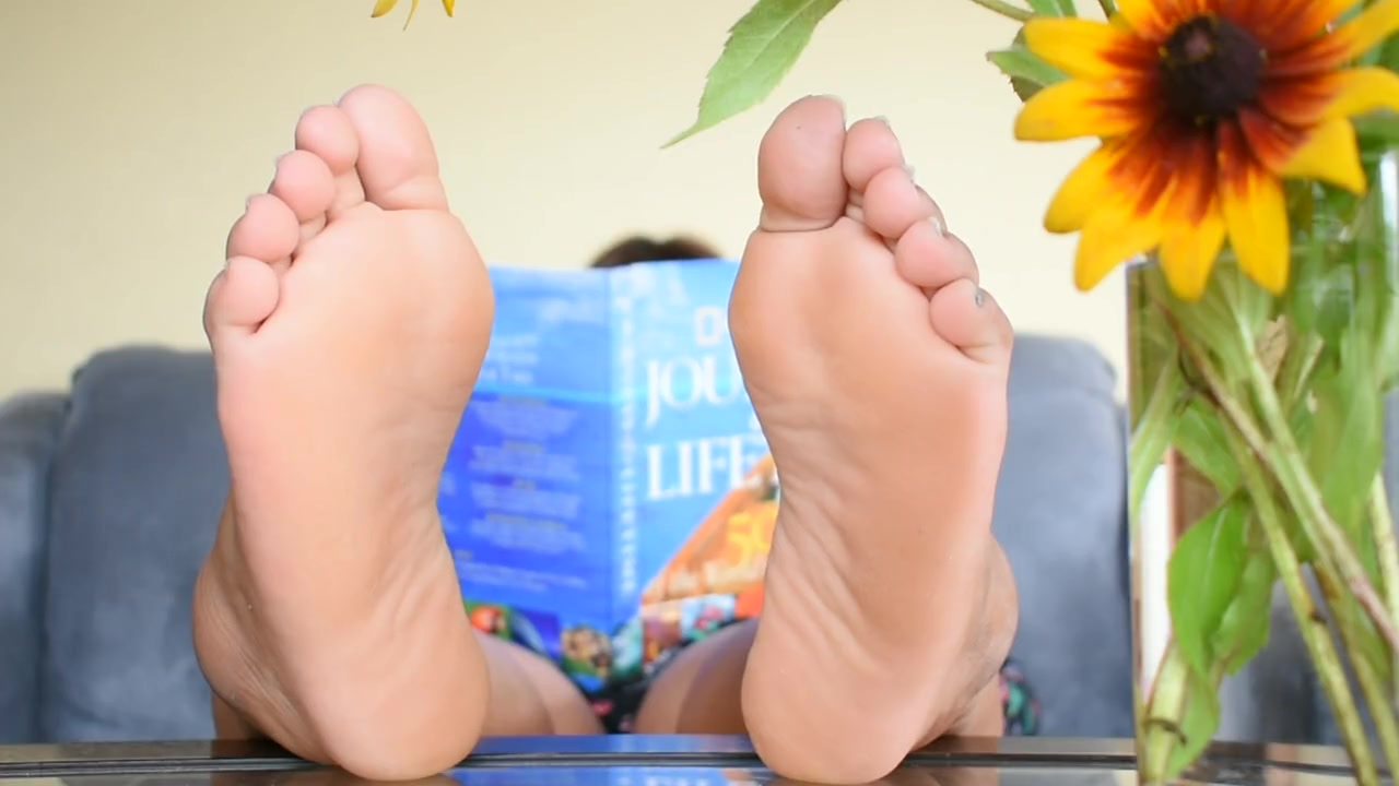 sexy chubby feet
