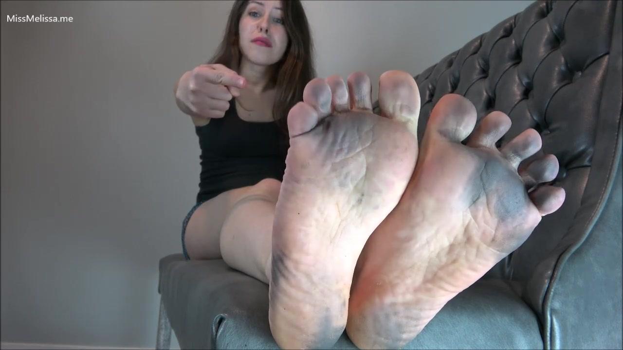 Sunny Leone Feet Worship