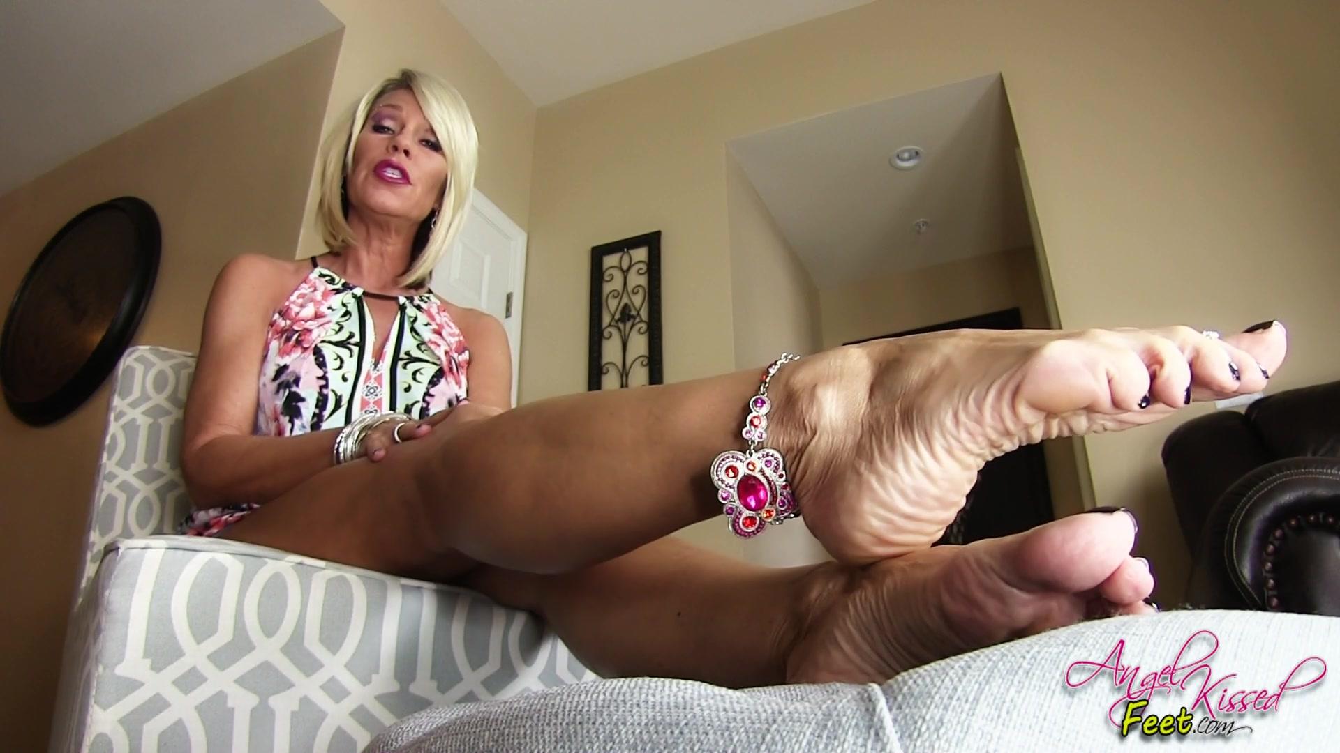 Milf feet tease Angelkissedfeet Milf Feet Teasing Stroke Session