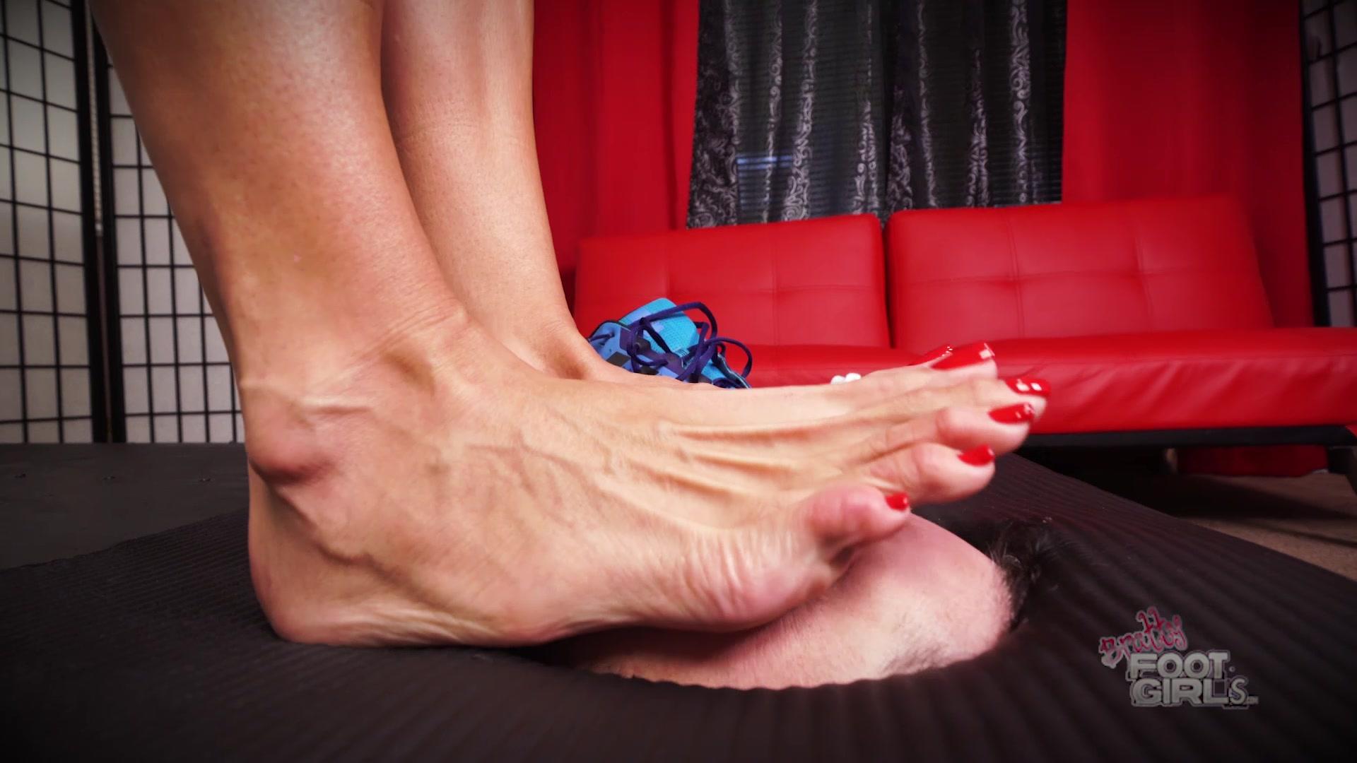 Lesbian Yoga Feet Worship