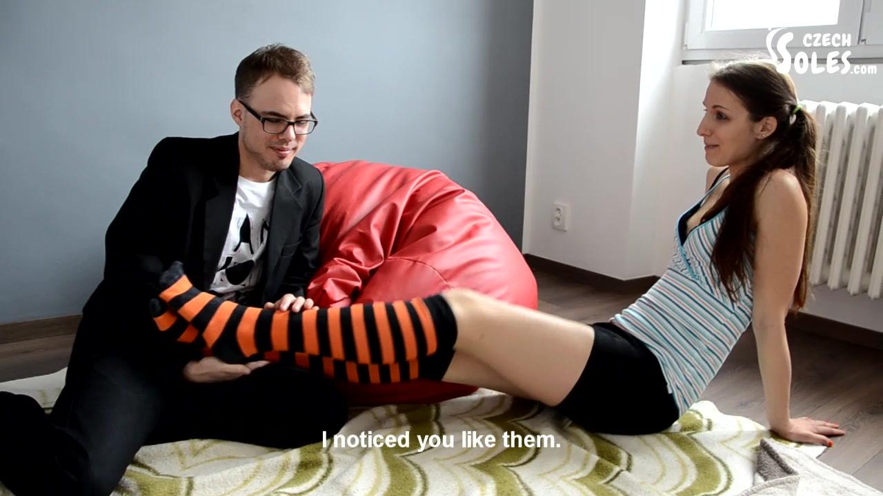 Lesbian Sucking Feet Pussy