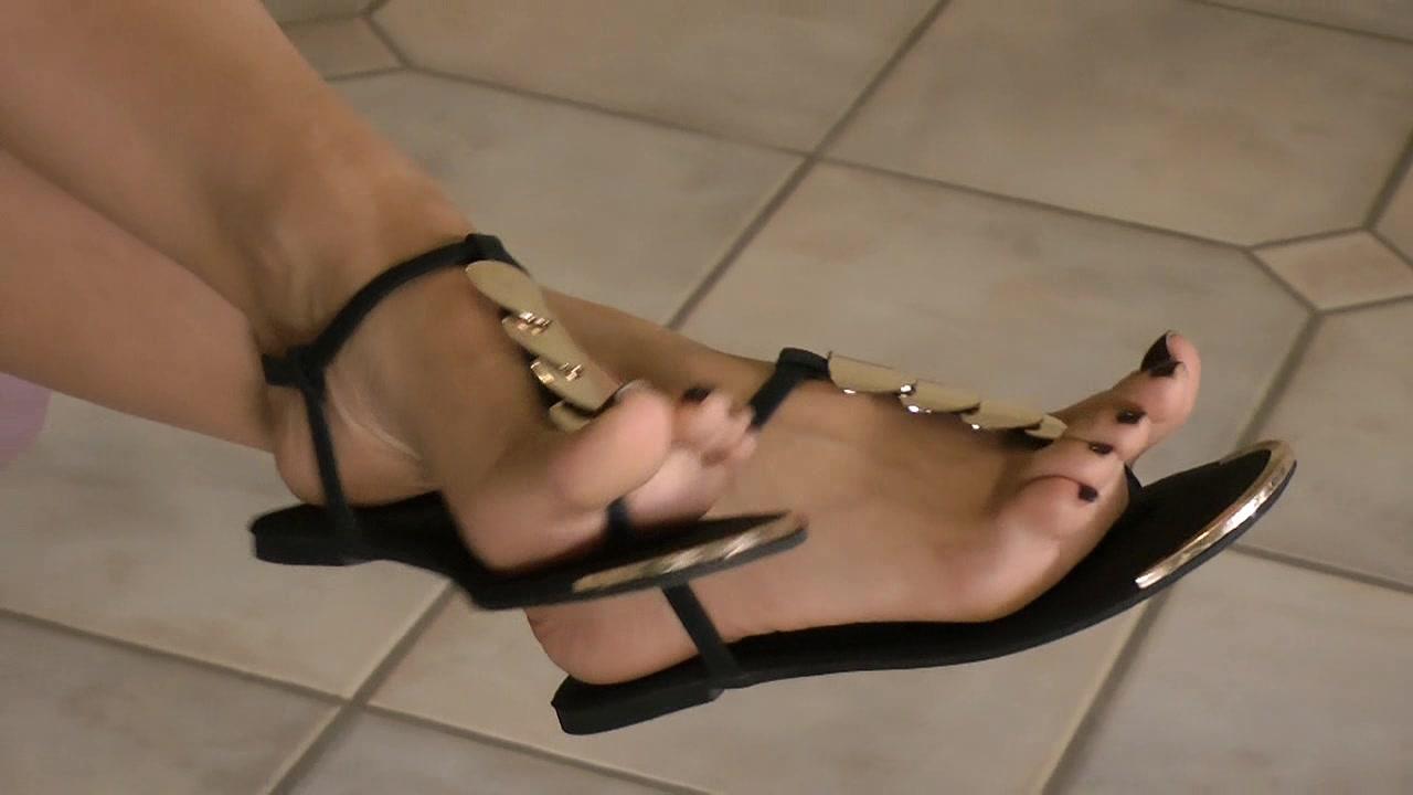 Nylon Feet Worship Therpy